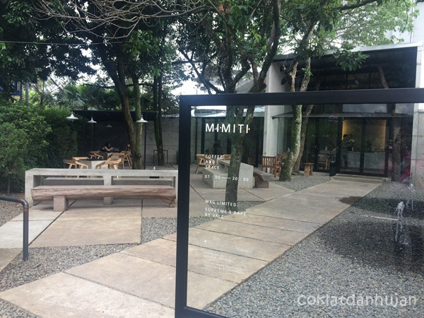 outdoor mimiti coffee and space bandung