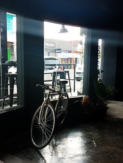 culturhead coffee yogyakarta tempat nongkrong seru kesukaan bernard batubara