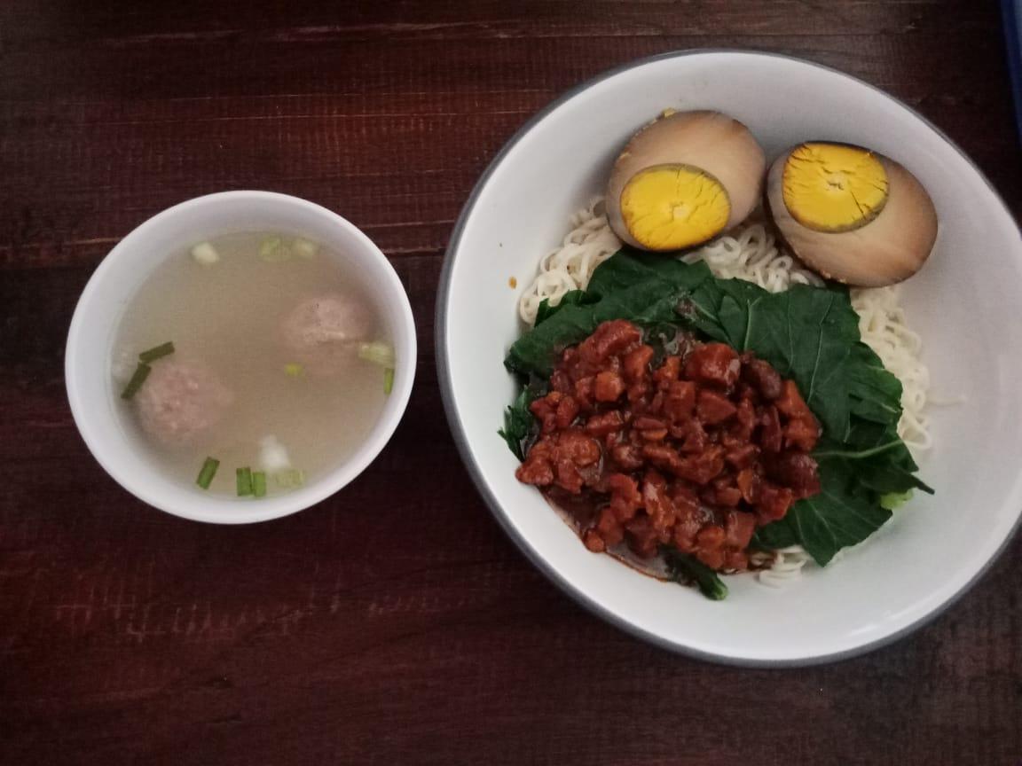 makanan di essen choco pot yogyakarta